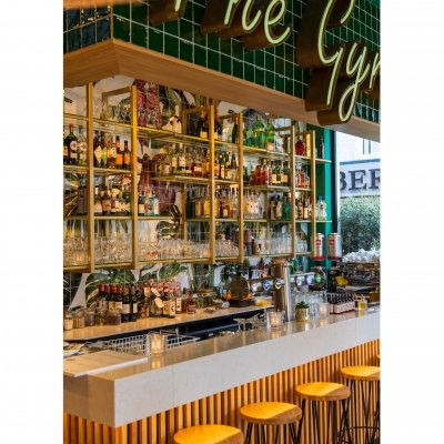 Home is where the bar is. . . . #thestreetfoodclub #interiordesign #restaurantdenhaag...